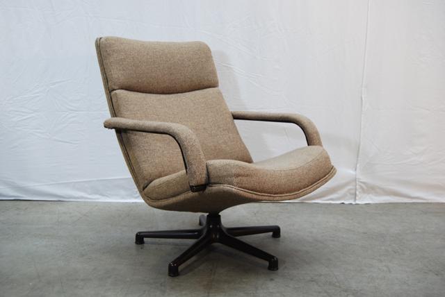 Vintage Stoel Artifort.Artifort Jaren 70 80 Design Fauteuil Met Vernieuwde