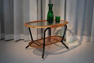 Rotan tafel met glazen blad de gele etalage - Stoelen voor glazen tafel ...