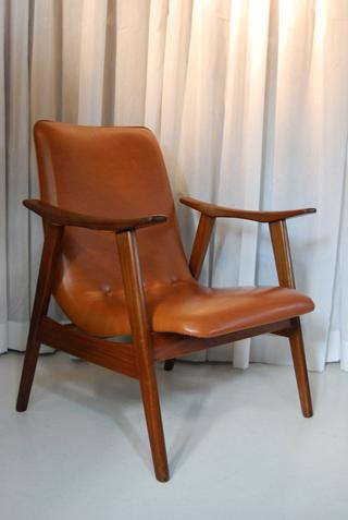 Teakhouten jaren 60 fauteuil met retro skai leren for Tweedehands design fauteuil