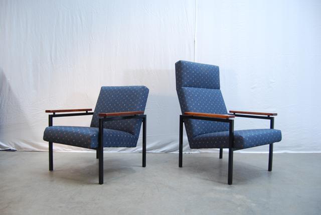 Twee jaren 60 Gijs van der Sluis design fauteuils    30   DE GELE ETALAGE