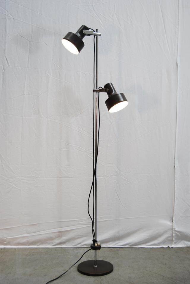 Retro Jaren 80 Staande Vintage Vloerlamp Met Twee Bruine