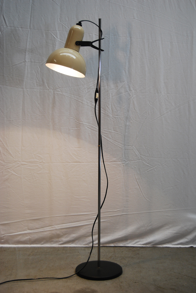 Retro Jaren 60 Staande Vloerlamp Met Vintage Spot De