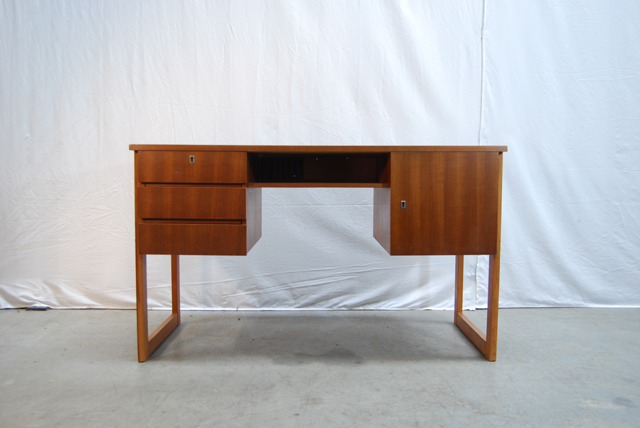 Modern jaren 60 teakhouten fineer bureau teak desk de for Ladeblok teak