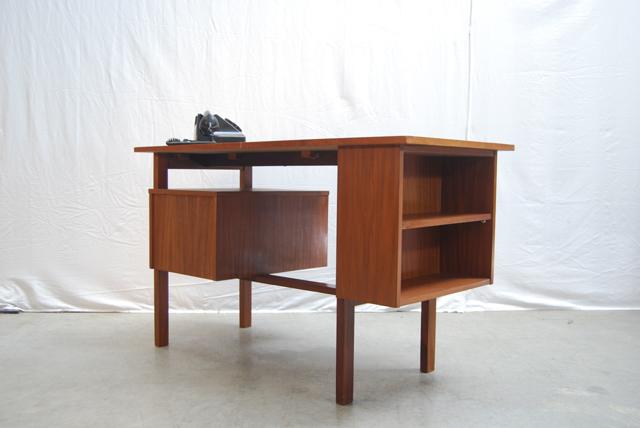 Jaren 60 vintage teakhouten design bureau teak desk de for Ladeblok teak