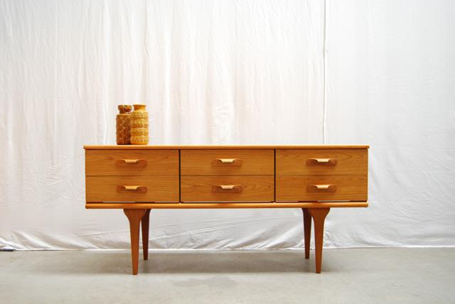 Jaren 60 teakhouten deens dressoir teak sideboard danish for Danish design meubels