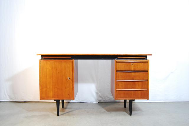 Vintage teakhouten jaren 50 deens bureau danish desk for Ladeblok teak