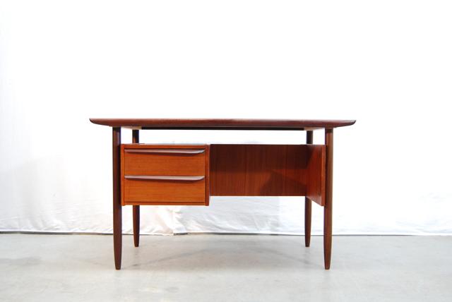 Teakhouten jaren 60 dutch design bureau tijsseling for Dutch design eetkamerstoelen