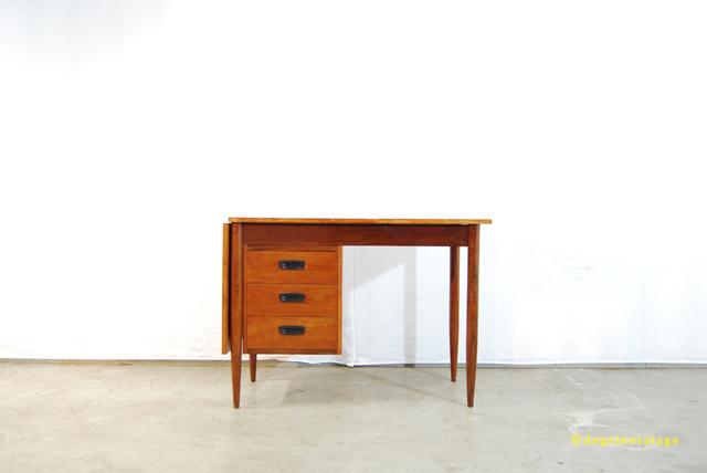 Vintage jaren 60 teakhouten bureau deens de gele etalage for Bureau retro