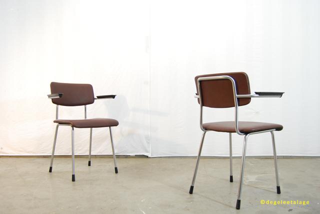 Set van 2 vintage jaren 60 Gispen buisframe stoelen    model 1235   DE GELE ETALAGE