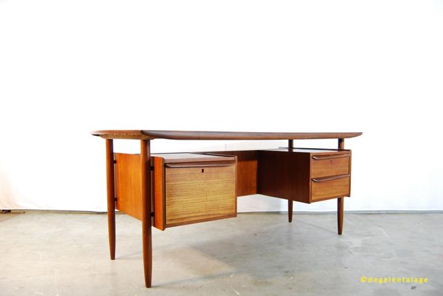Vintage teakhouten jaren 60 xl bureau tijsseling dutch for Ladeblok teak
