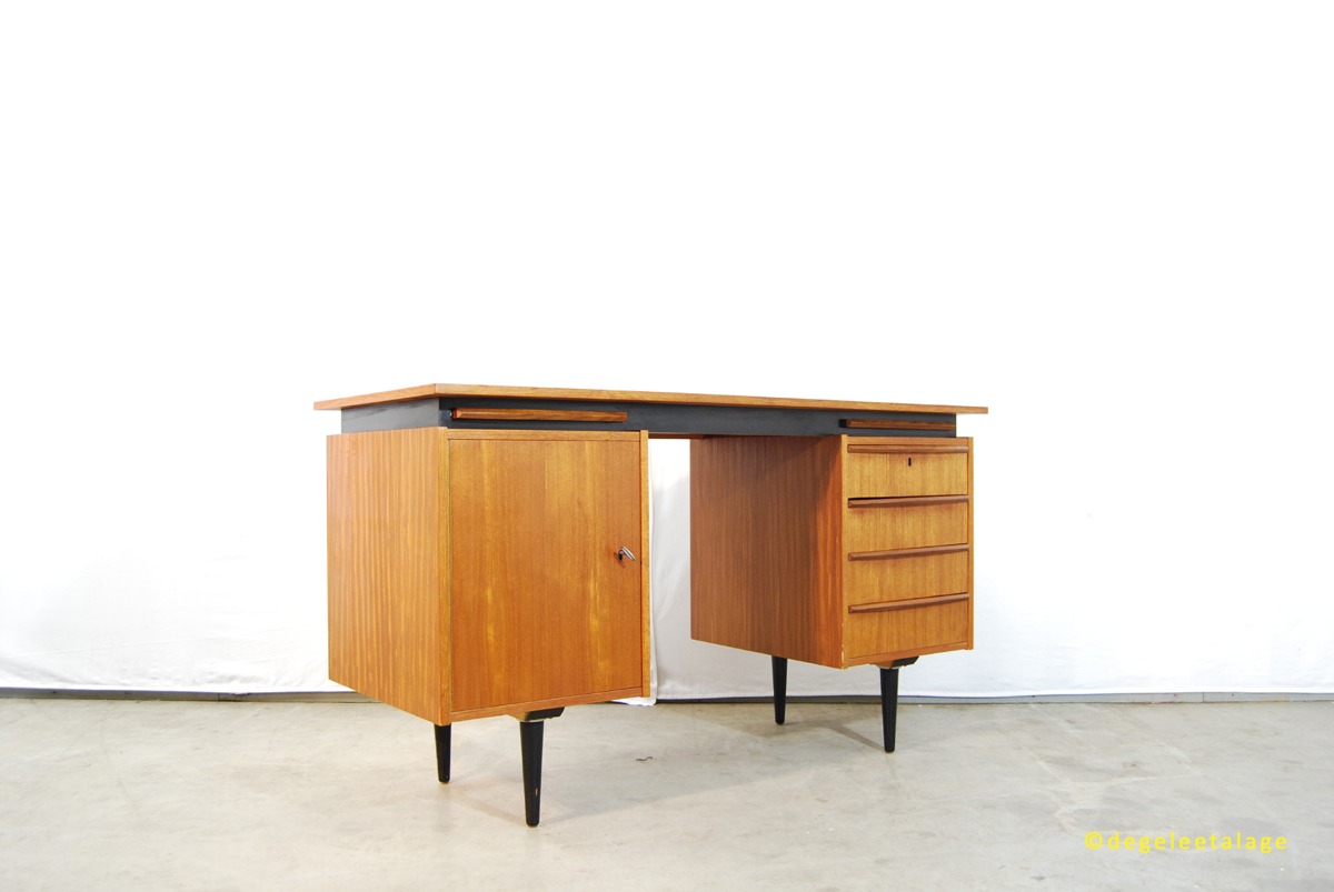 Jaren 50 teakhouten bureau dutch design de gele etalage for Ladeblok 40 diep