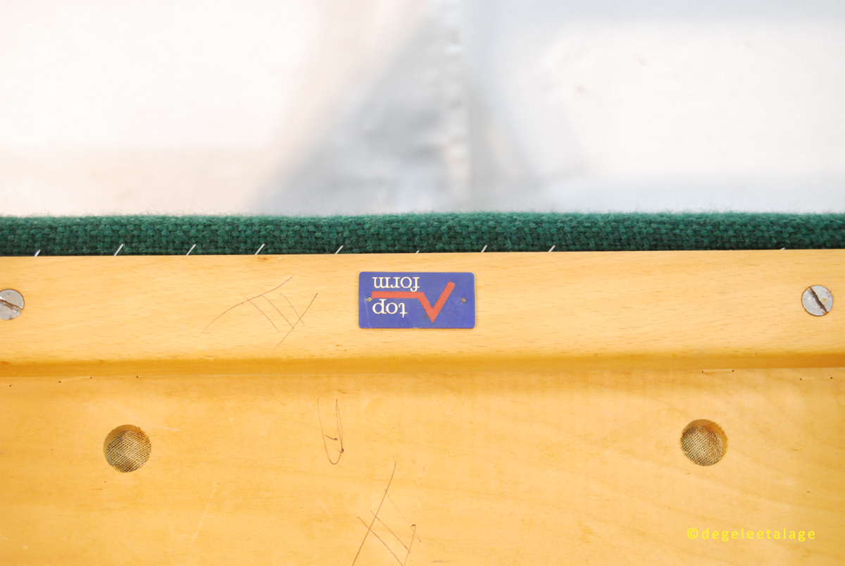 S1613-11 DE GELE ETALAGE
