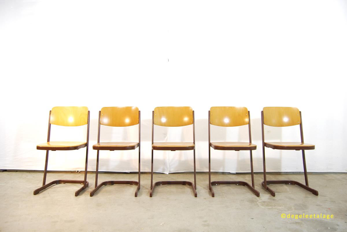 s1610-07-de-gele-etalage