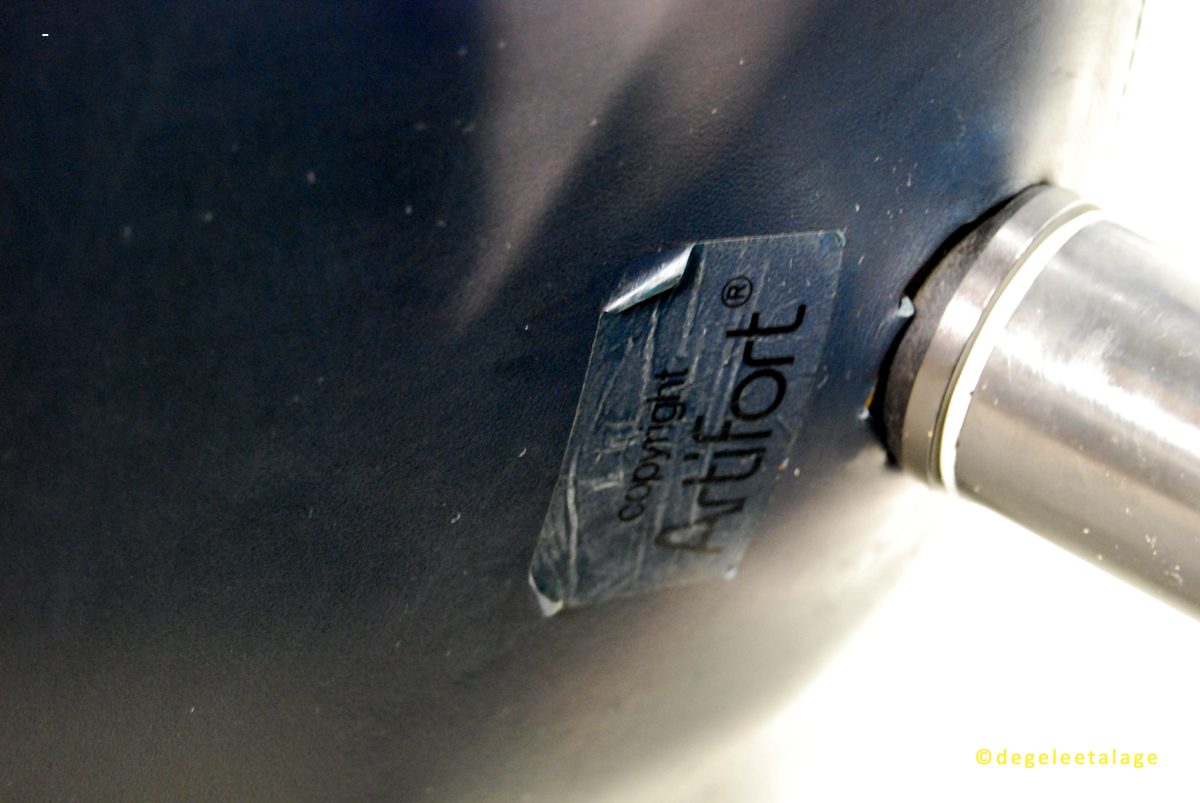 f1638-10-de-gele-etalage-artifort