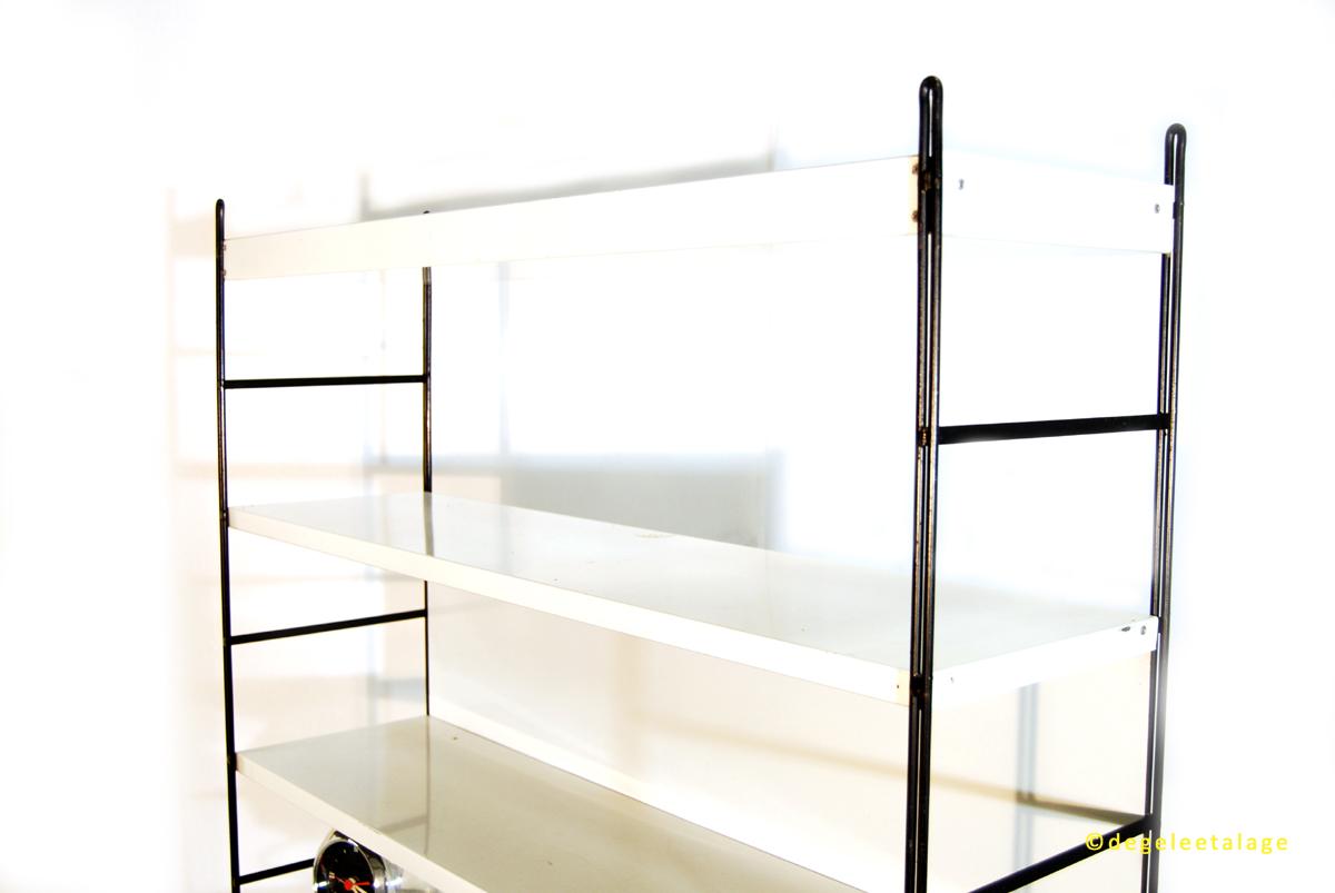 k1610-06-de-gele-etalage-pilastro