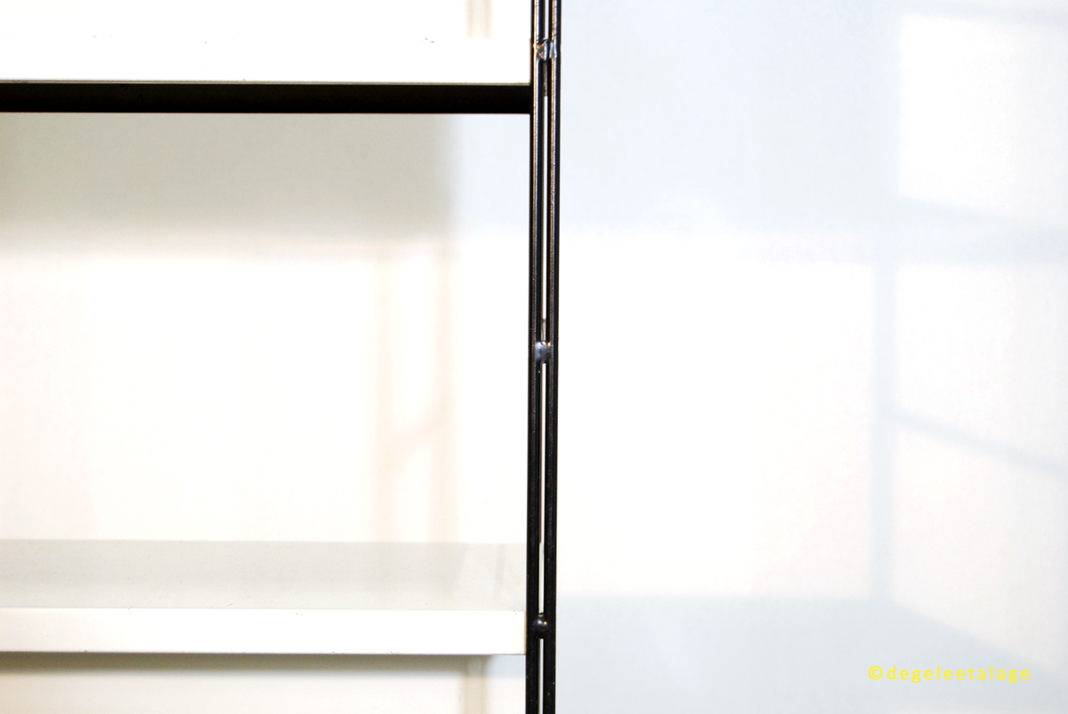 k1610-13-de-gele-etalage-pilastro