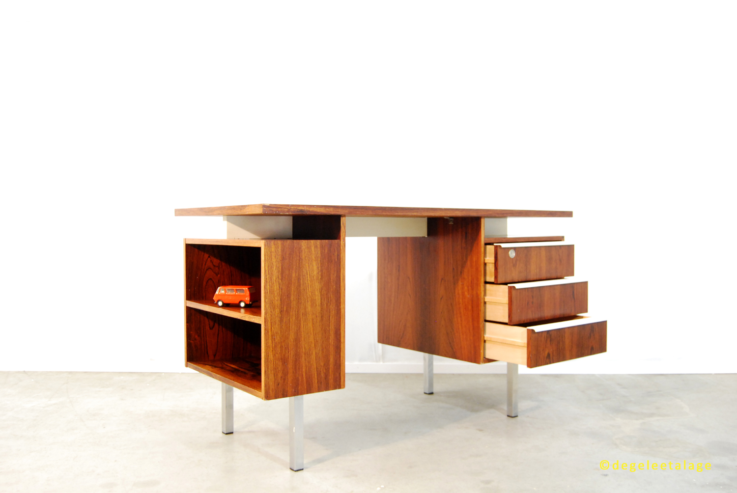 Vintage jaren 60 palissander fineer bureau dutch design for Ladeblok 40 diep