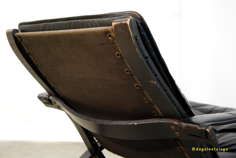 F1719-10 DE GELE ETALAGE RELLING