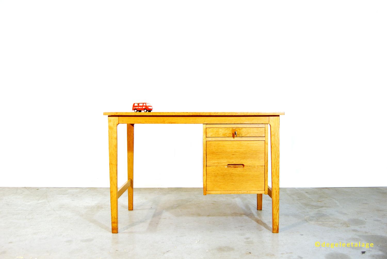 Vintage jaren 60 eikenhouten fineer bureau de gele etalage for Ladeblok 40 diep